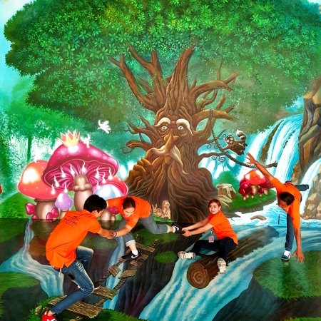 ภาพวาดใหม่ล่าสุด Fairy Tales ขนาดสูงเท่าตึก 2 ชั้น