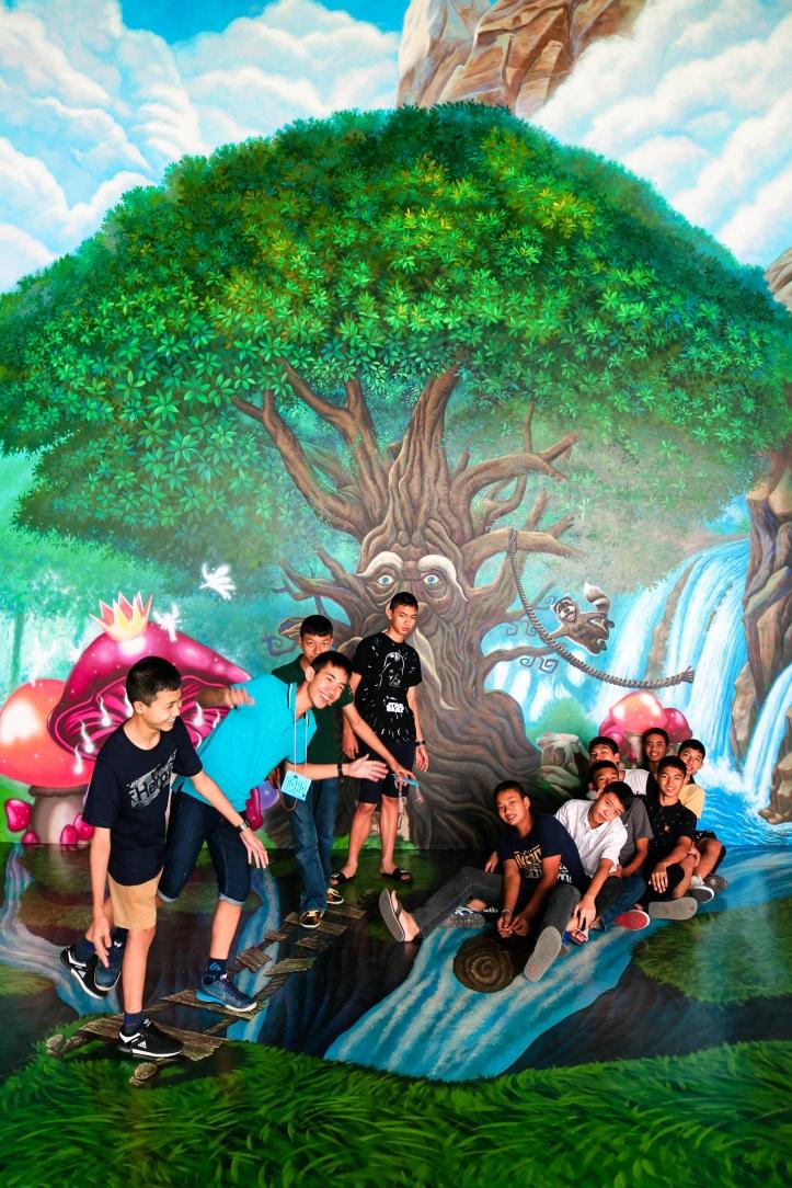 หนุ่ม ๆ กับมุม Fairy Tales